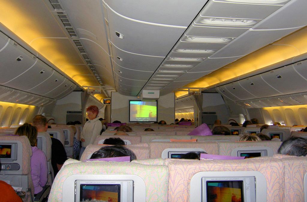 economics essay on emirates airlines