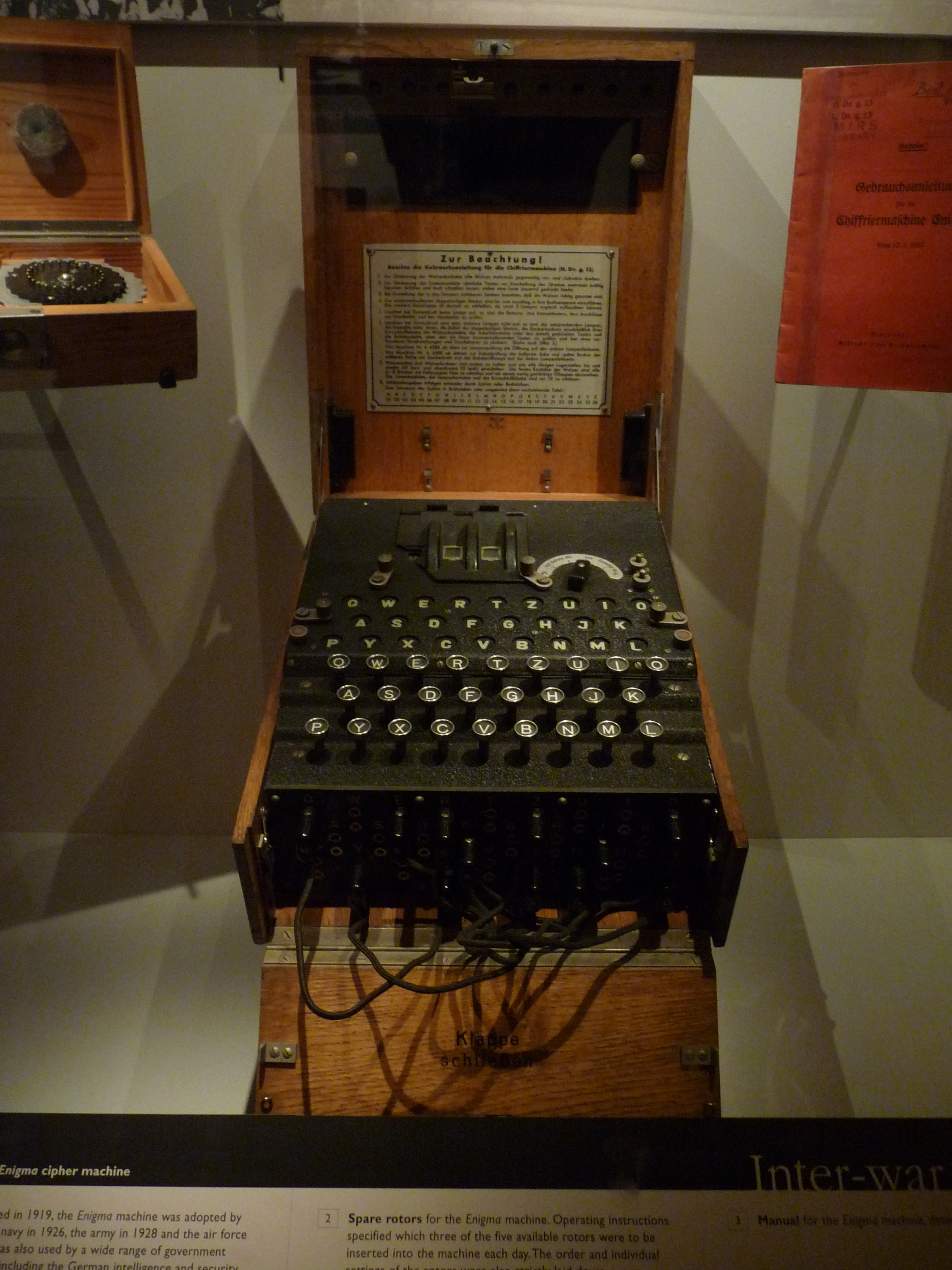 Enigma Decoder Machine