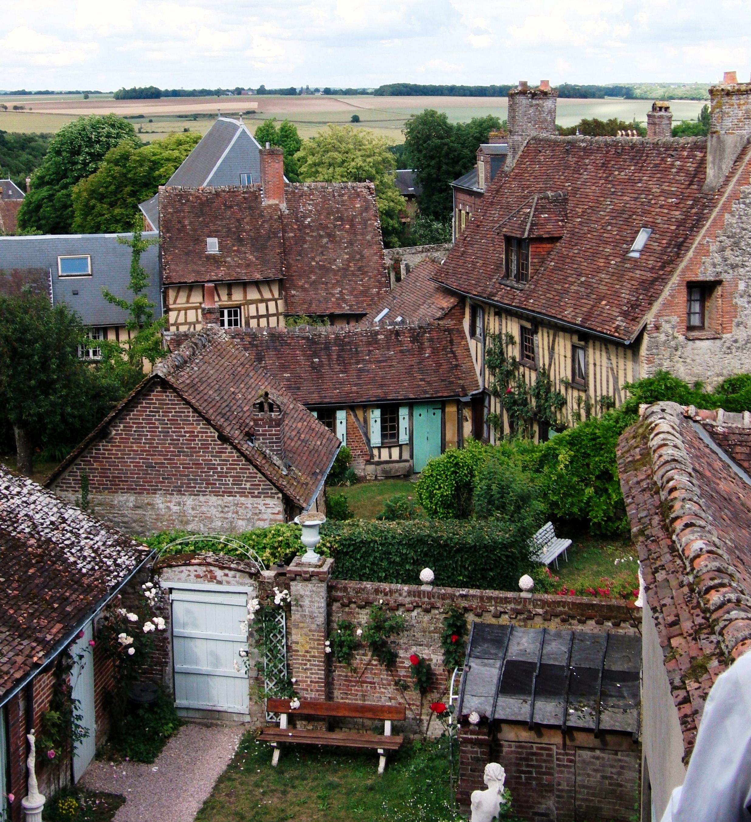 Gerberoy oise france 2472x2708 villageporn for Le jardin france 5