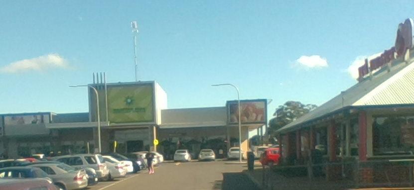 Hampton park shopping centre