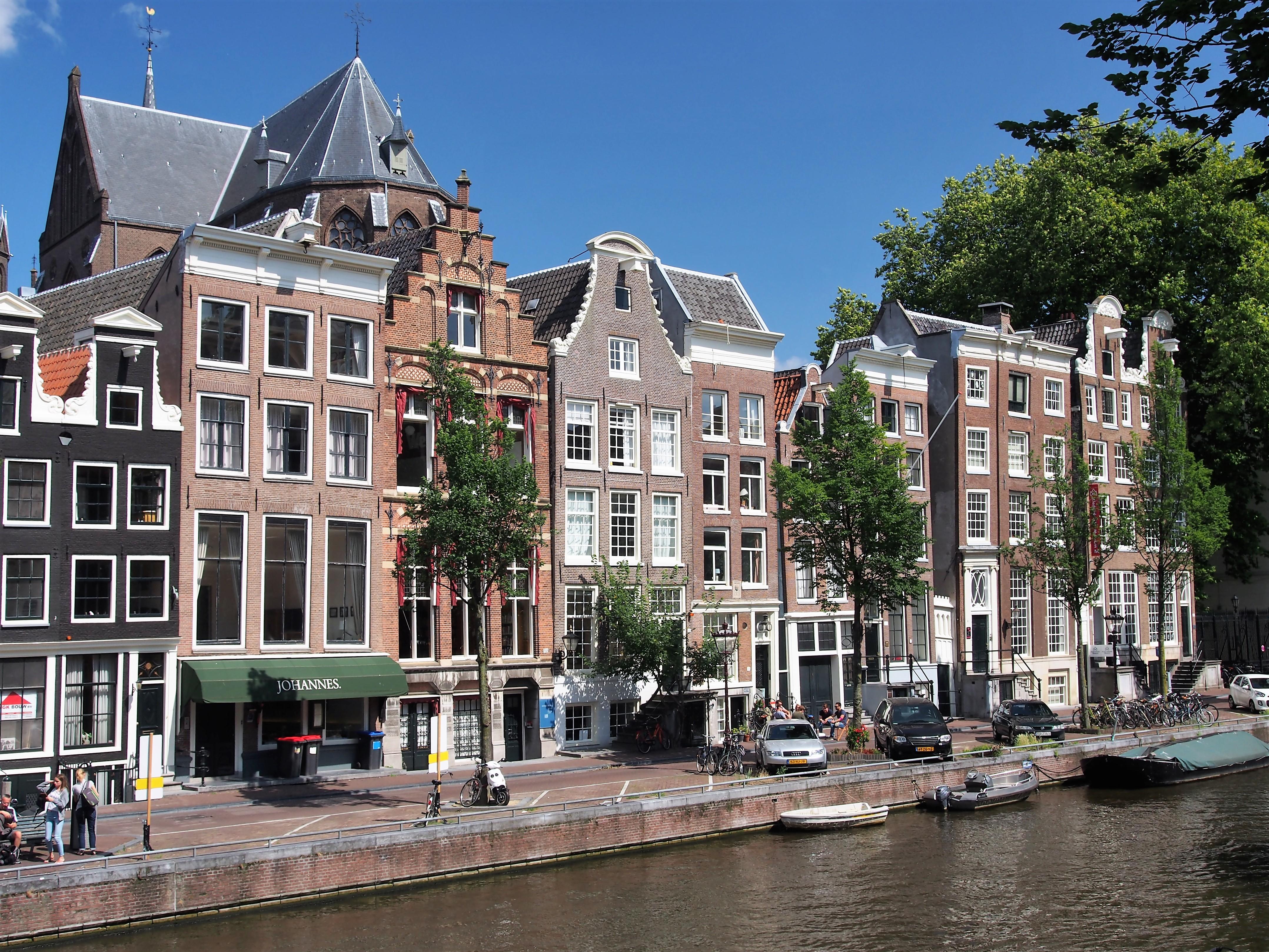 canalrachtinmsterdam,etherlands.