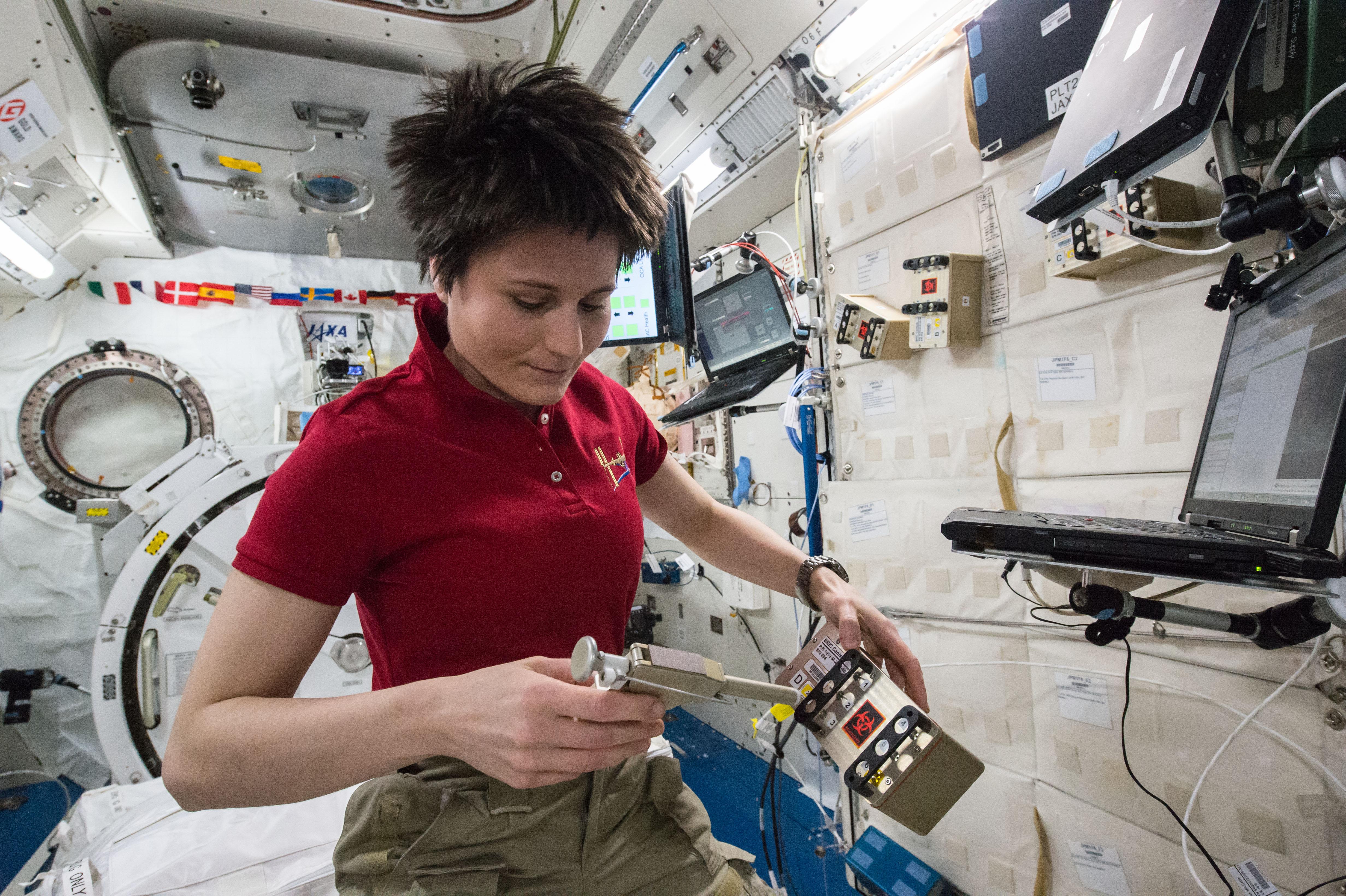 Fileiss 43 Samantha Cristoforetti Unpacks Scientific Equipmentjpg