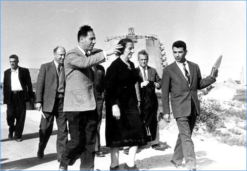 תוצאת תמונה עבור כור גרעיני שמעון פרס