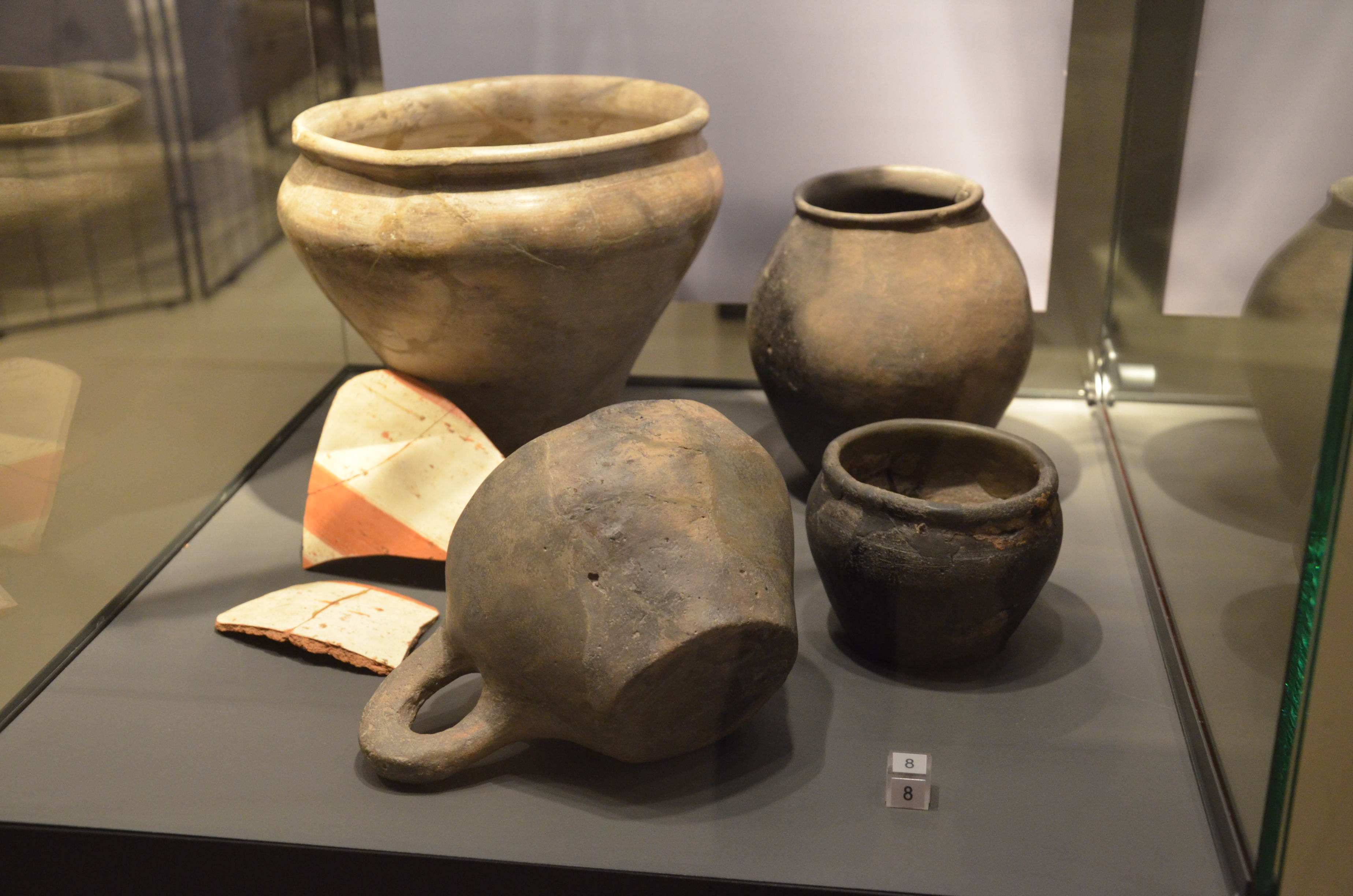 plik keltische keramik des 3 bis 1 jahrhunderts vor christus a set of vessels used by celts. Black Bedroom Furniture Sets. Home Design Ideas