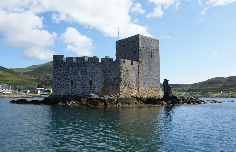 Bestand:Kisimul Castle 20090609 from south west.jpg