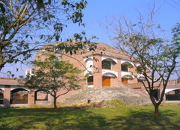 চিত্র:Kushtia Islamic University Auditorium, Kushtia, Bangladesh.jpg