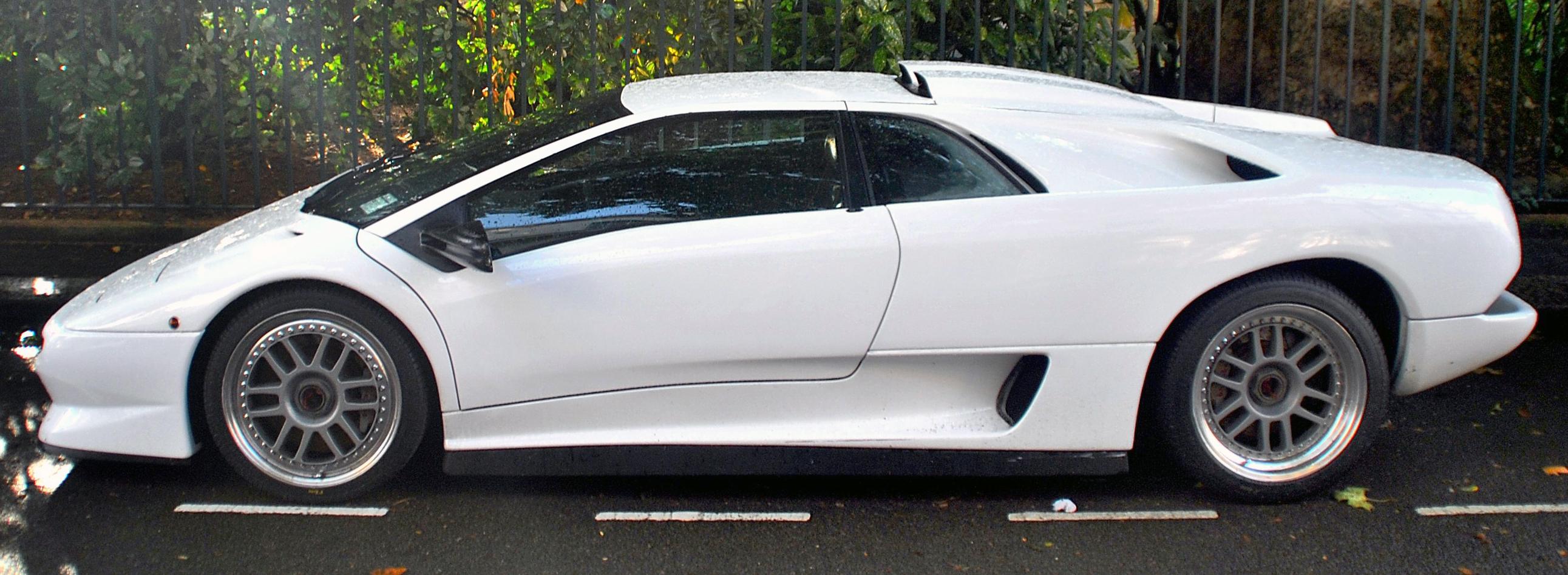 File Lamborghini Diablo Sv R Side Jpg Wikimedia Commons