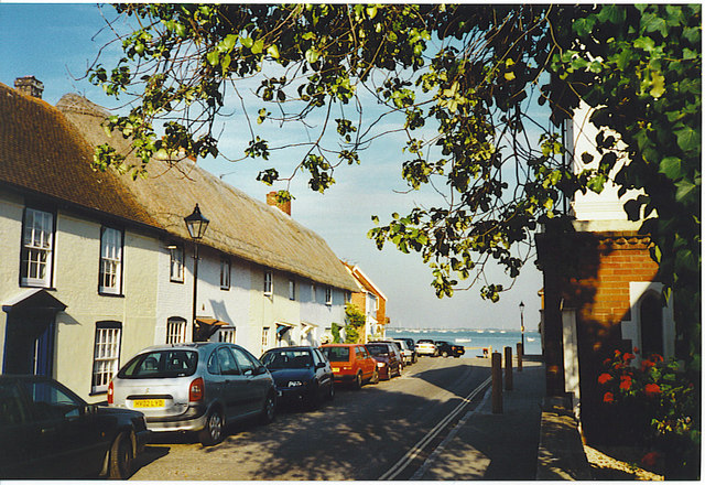 File:Langstone - geograph.org.uk - 176536.jpg