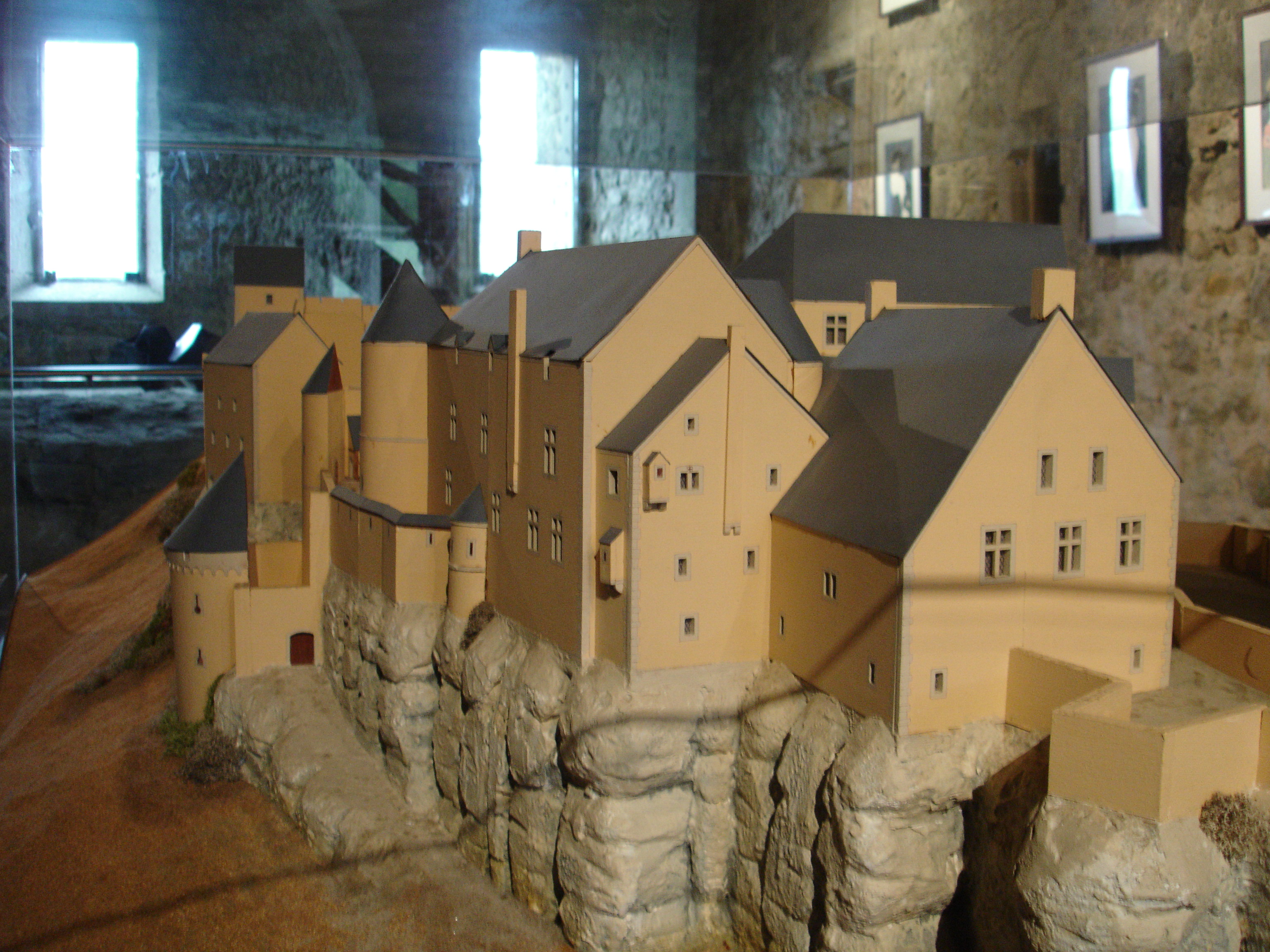 50af28858b File Larochette Castle - Reconstruction.JPG - Wikimedia Commons