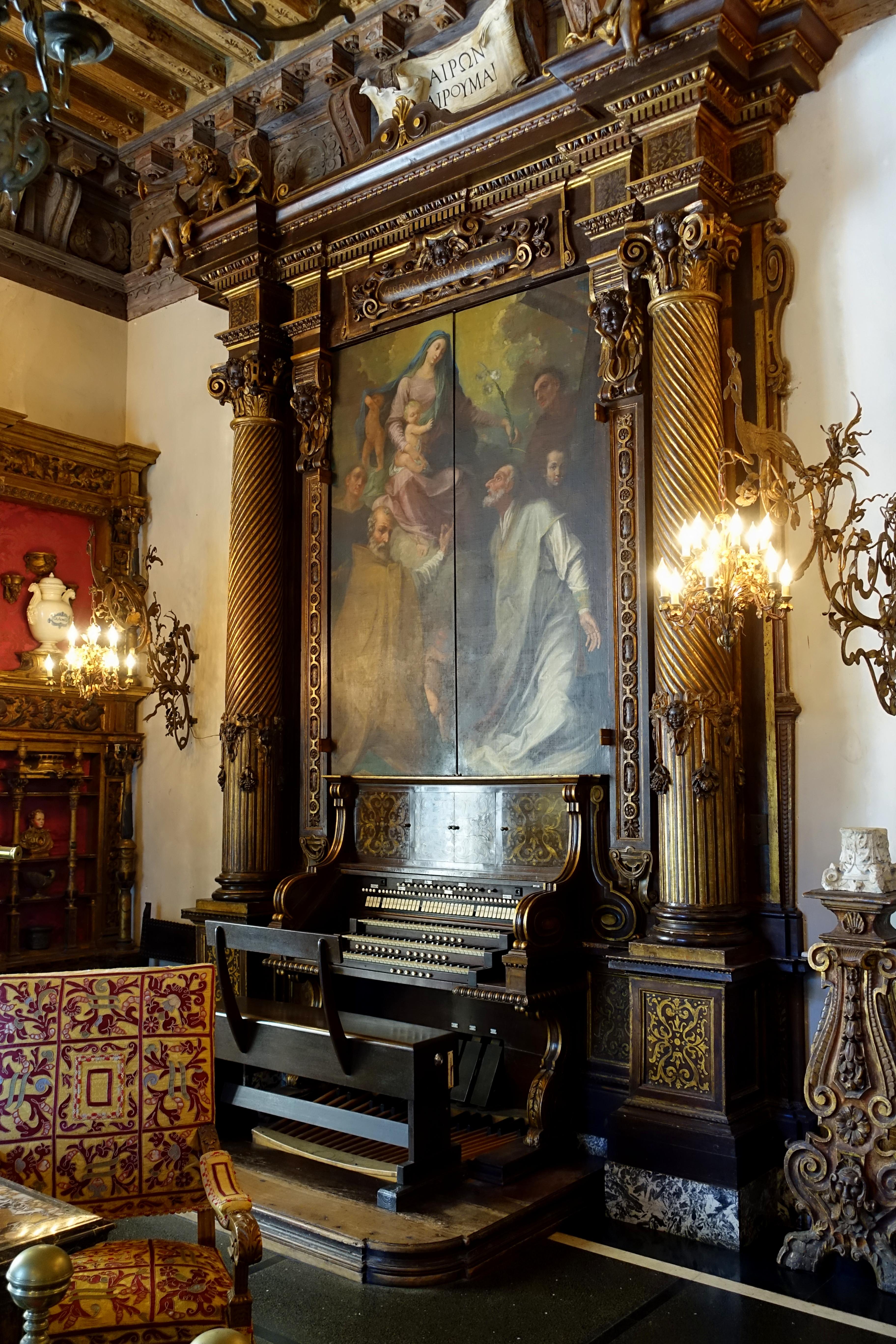 File:Living Room organ - Vizcaya Museum and Gardens - Miami, Florida ...