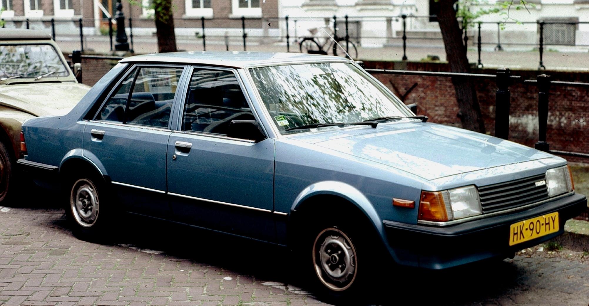 Mazda_323_Notchback.jpg