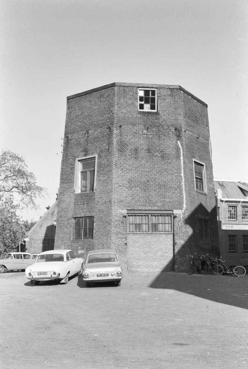 File:Molenromp, Jufferenwal, aanzicht - Zwolle - 20231397 - RCE.jpg