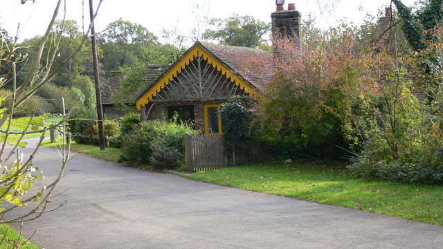 Moor Lodge, Cowdray Estate - geograph.org.uk - 1019478