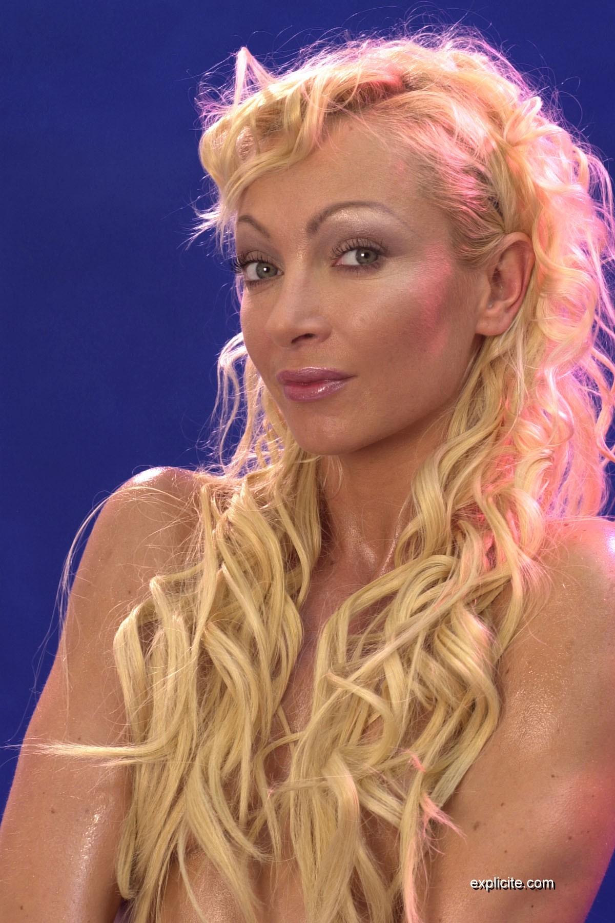 Adalina perron histoires de sexes 2009 - 1 part 2