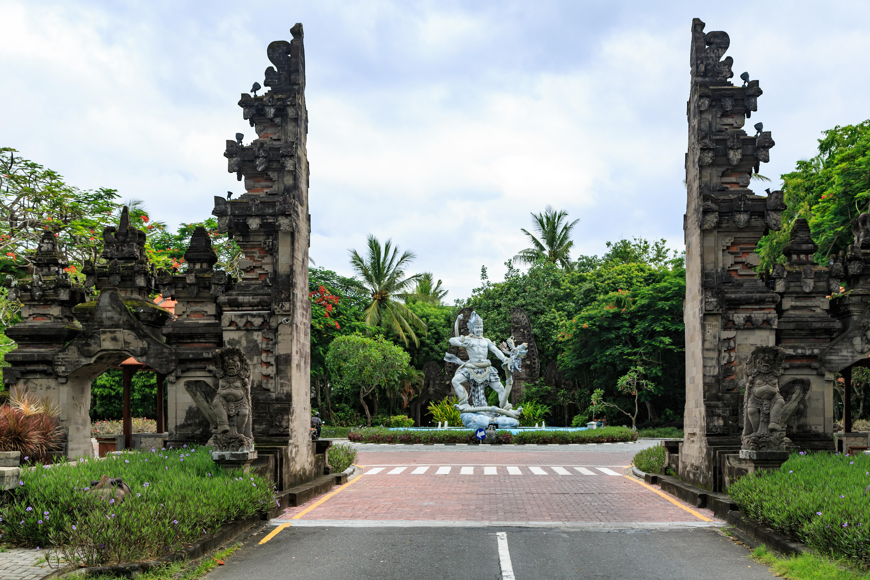 Nusa-Dua Bali Indonesia Southern-Gate-01.jpg