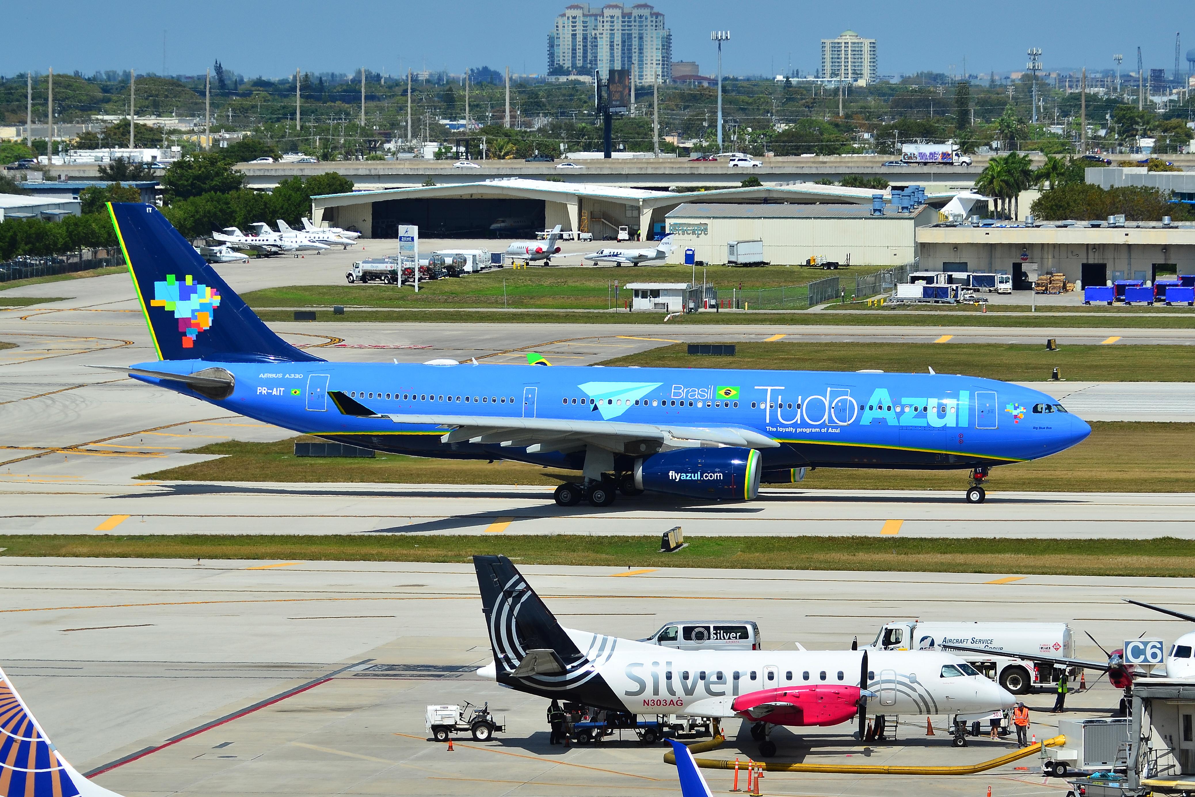 36d5905f38 Airbus A330-200 da Azul em Fort Lauderdale.