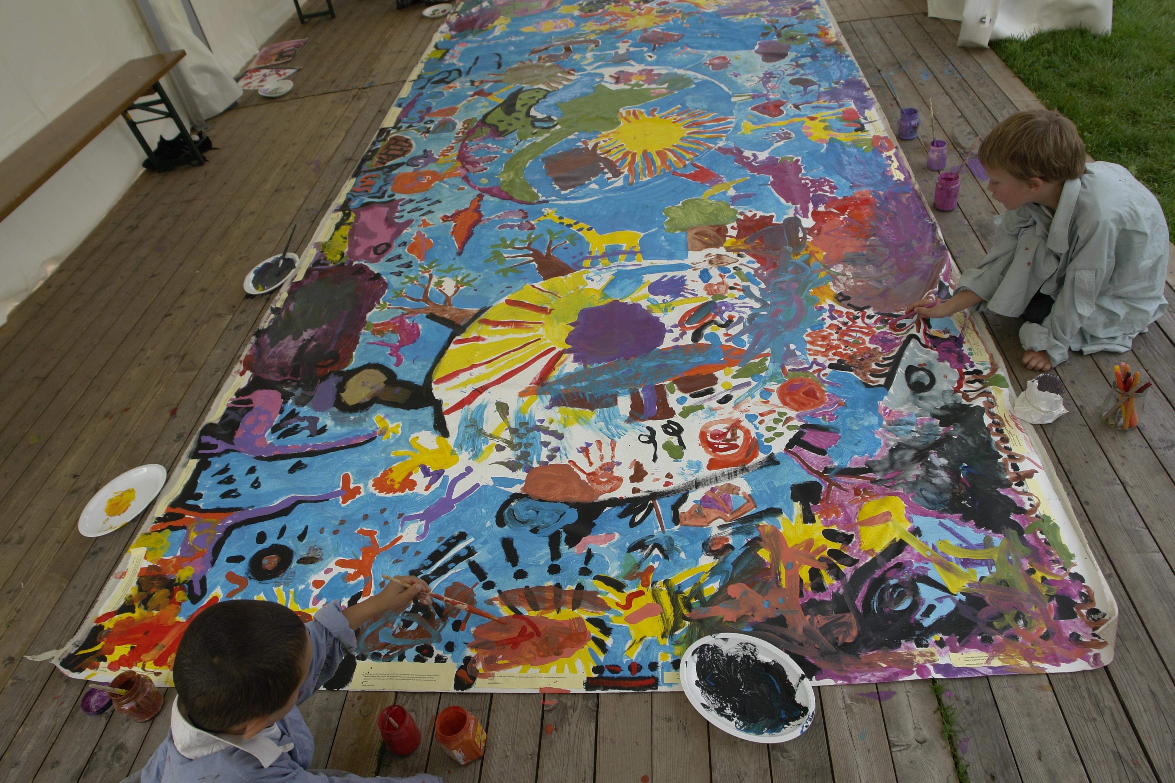 File painting by children for Children s mural artist