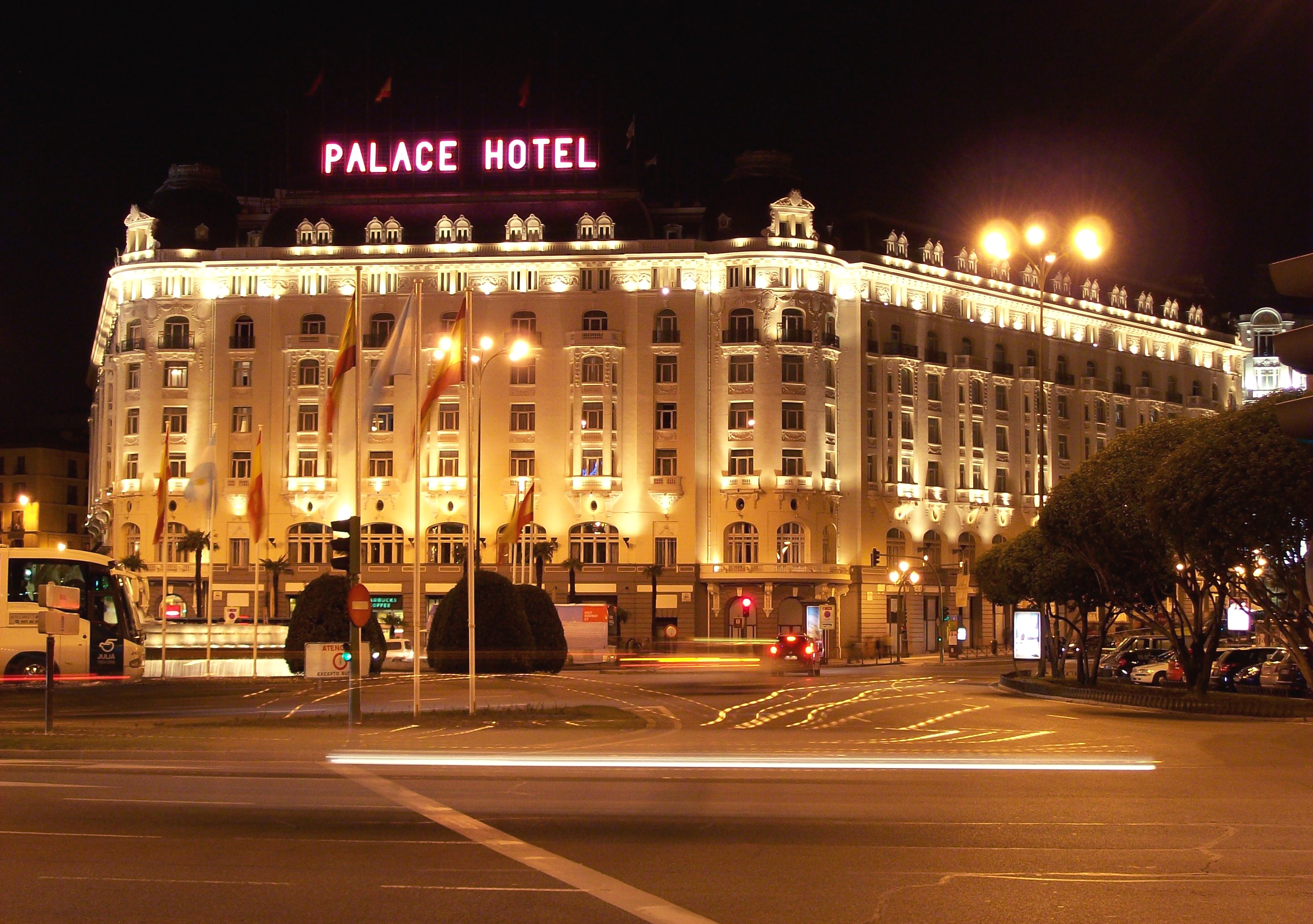 File palace hotel madrid wikimedia commons for Hotels madrid