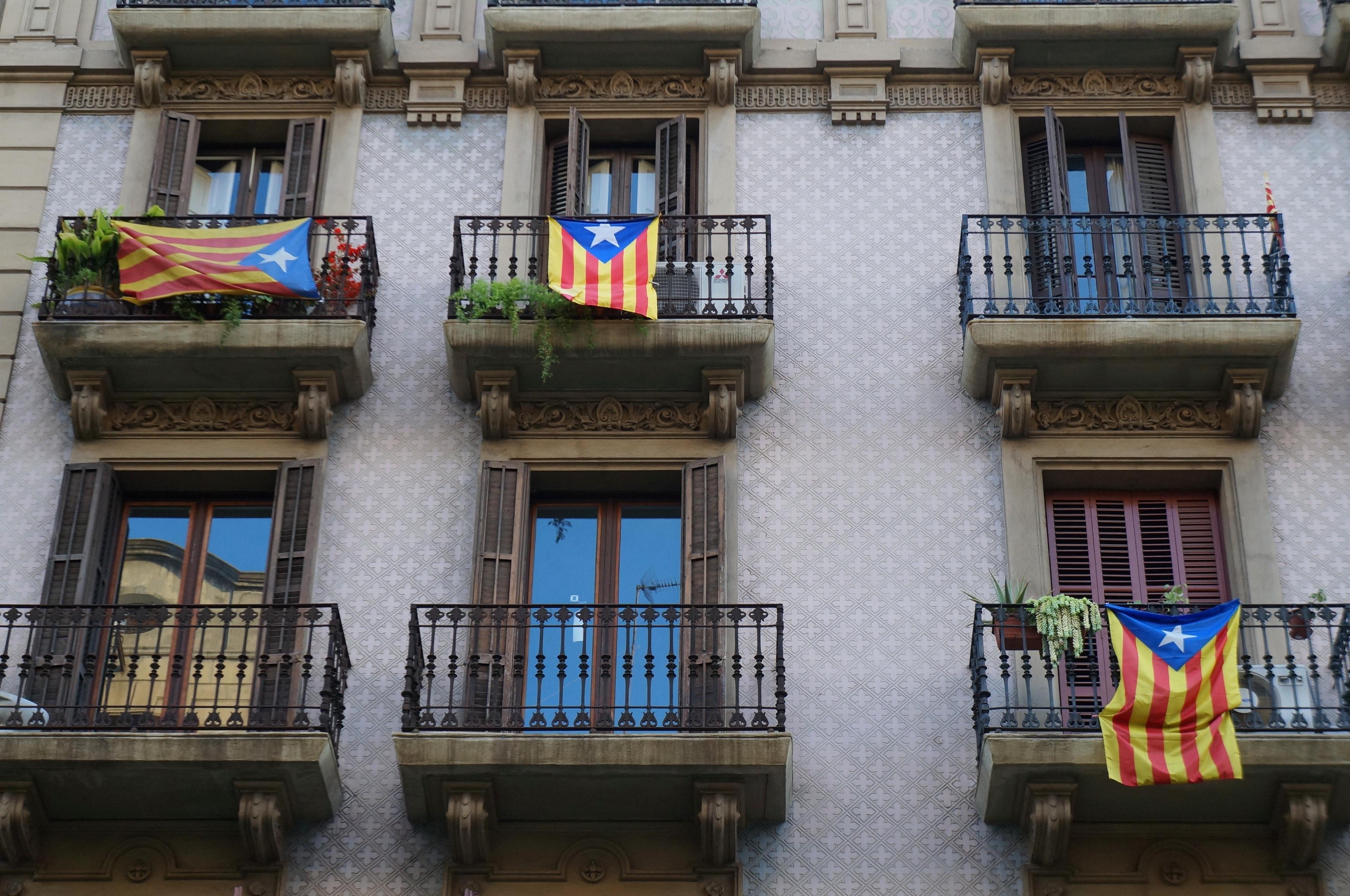 File:Patriotismo ou separatismo? (8749955069).jpg