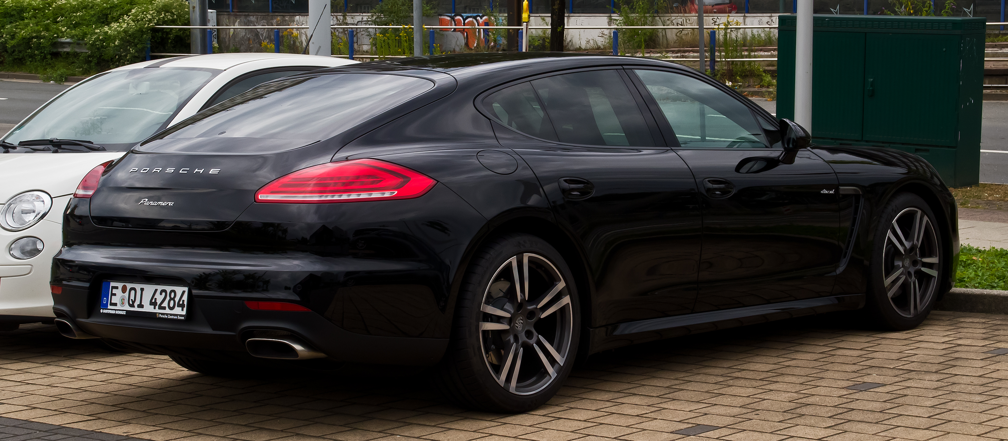 file porsche panamera diesel 970 facelift heckansicht 11 august 2013. Black Bedroom Furniture Sets. Home Design Ideas