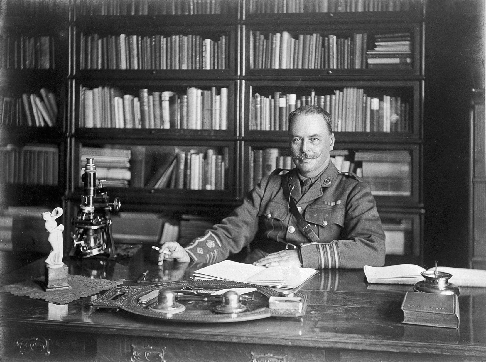 File Portrait Of Sir Ronald Ross At His Desk Wellcome L0011942 Jpg