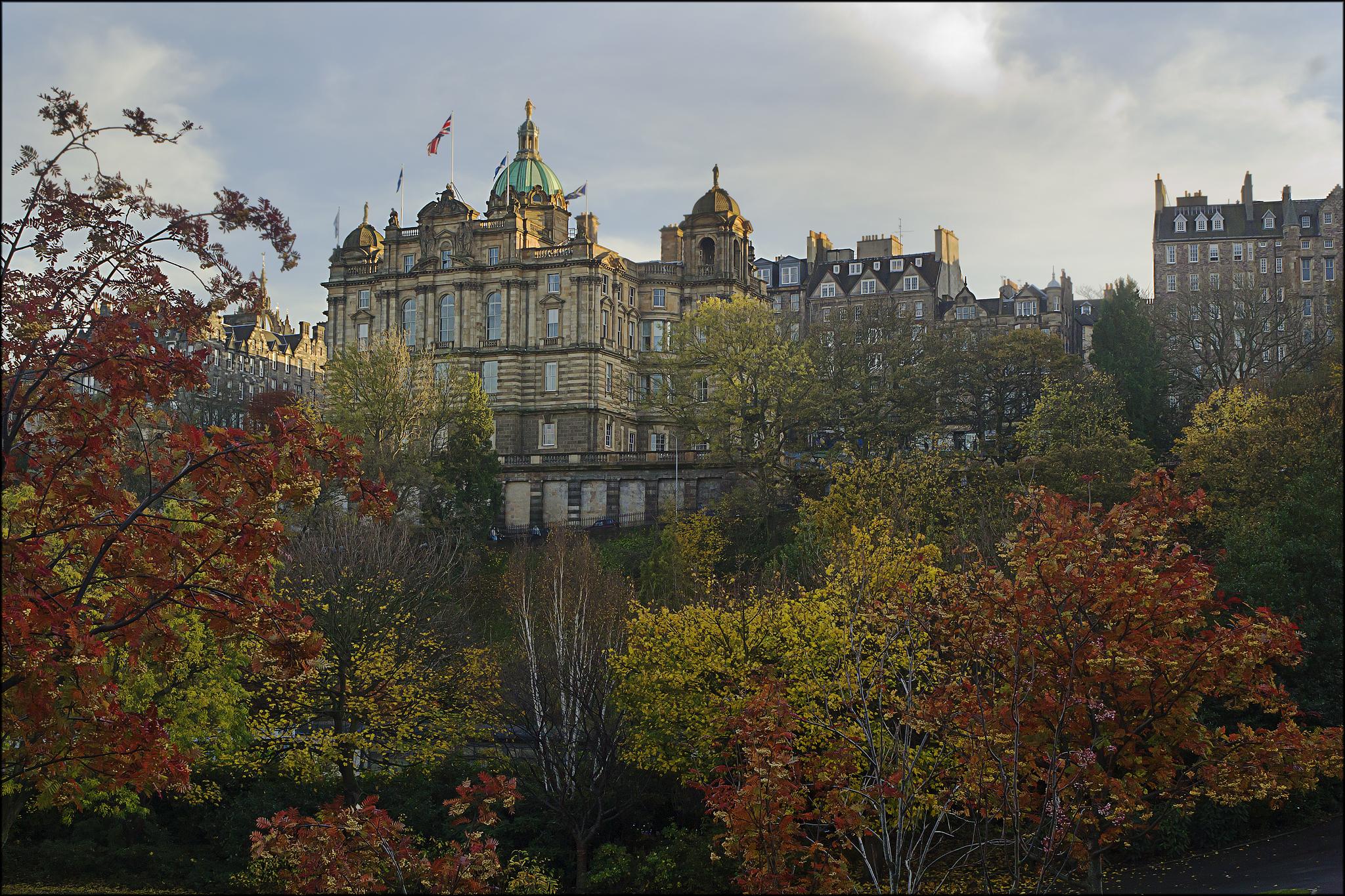 File:Princes Street Gardens, Edinburgh (10292604905).jpg - Wikimedia ...