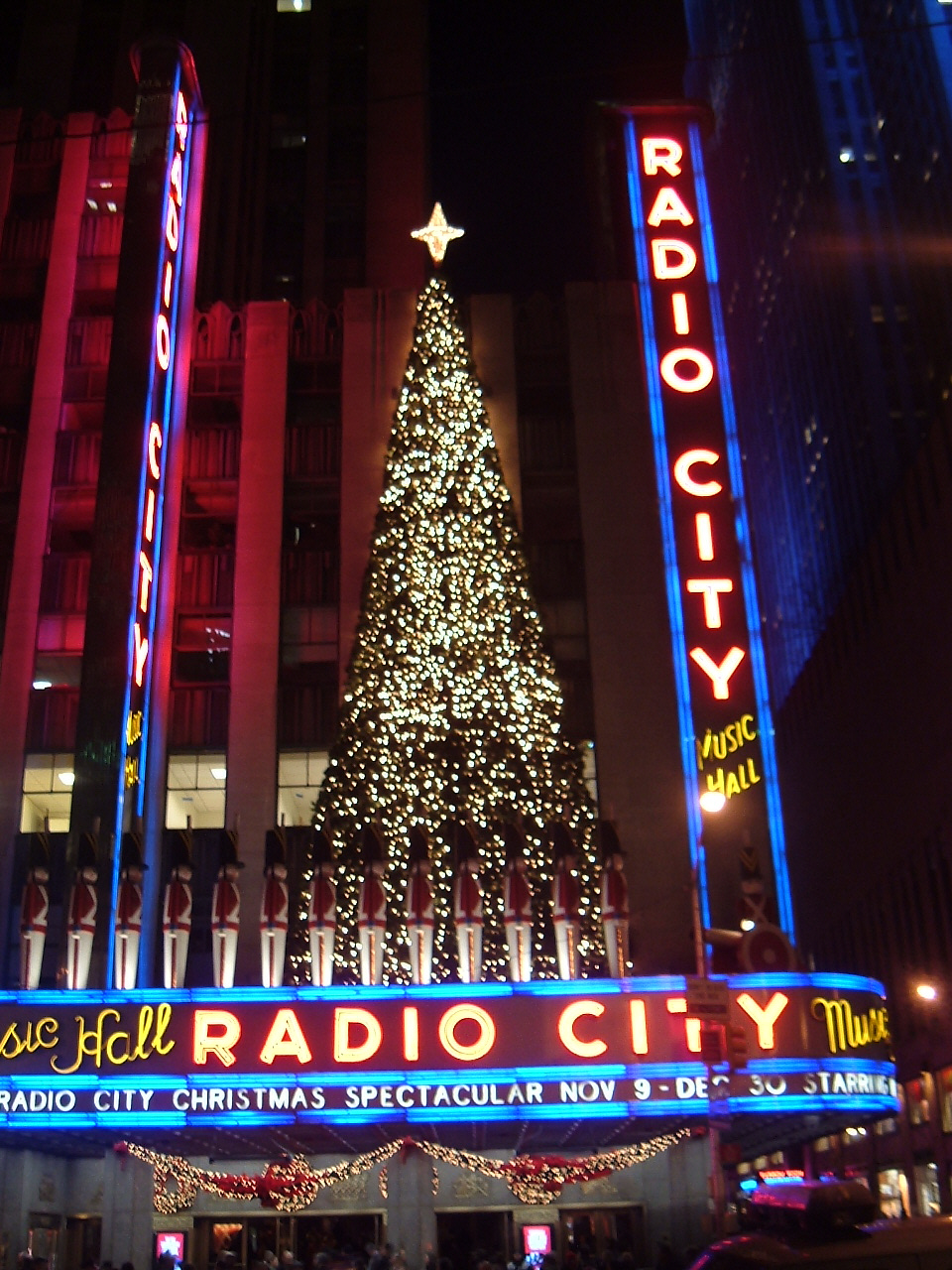 File:Radio City Music Hall christmas 2006.jpg - Wikimedia Commons