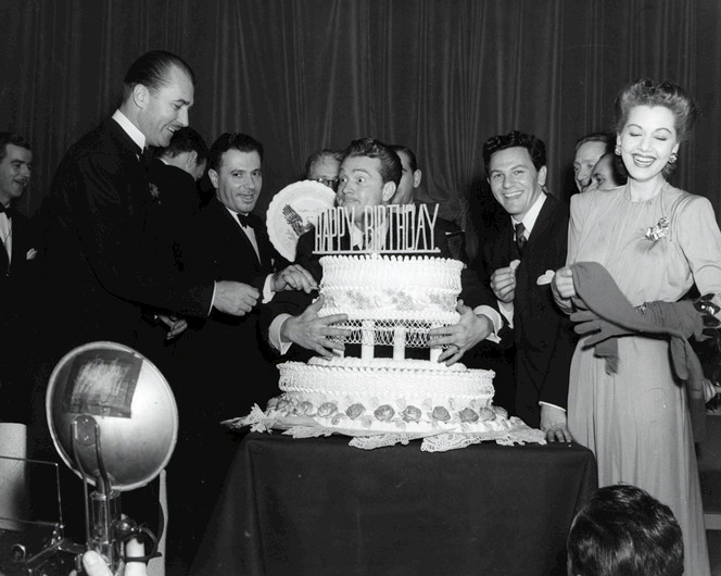 File:Red Skelton and John Garfield at FDR Birthday Ball 1944.jpg