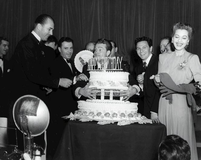File:Red Skelton and John Garfield at FDR Birthday Ball 1944.jpg
