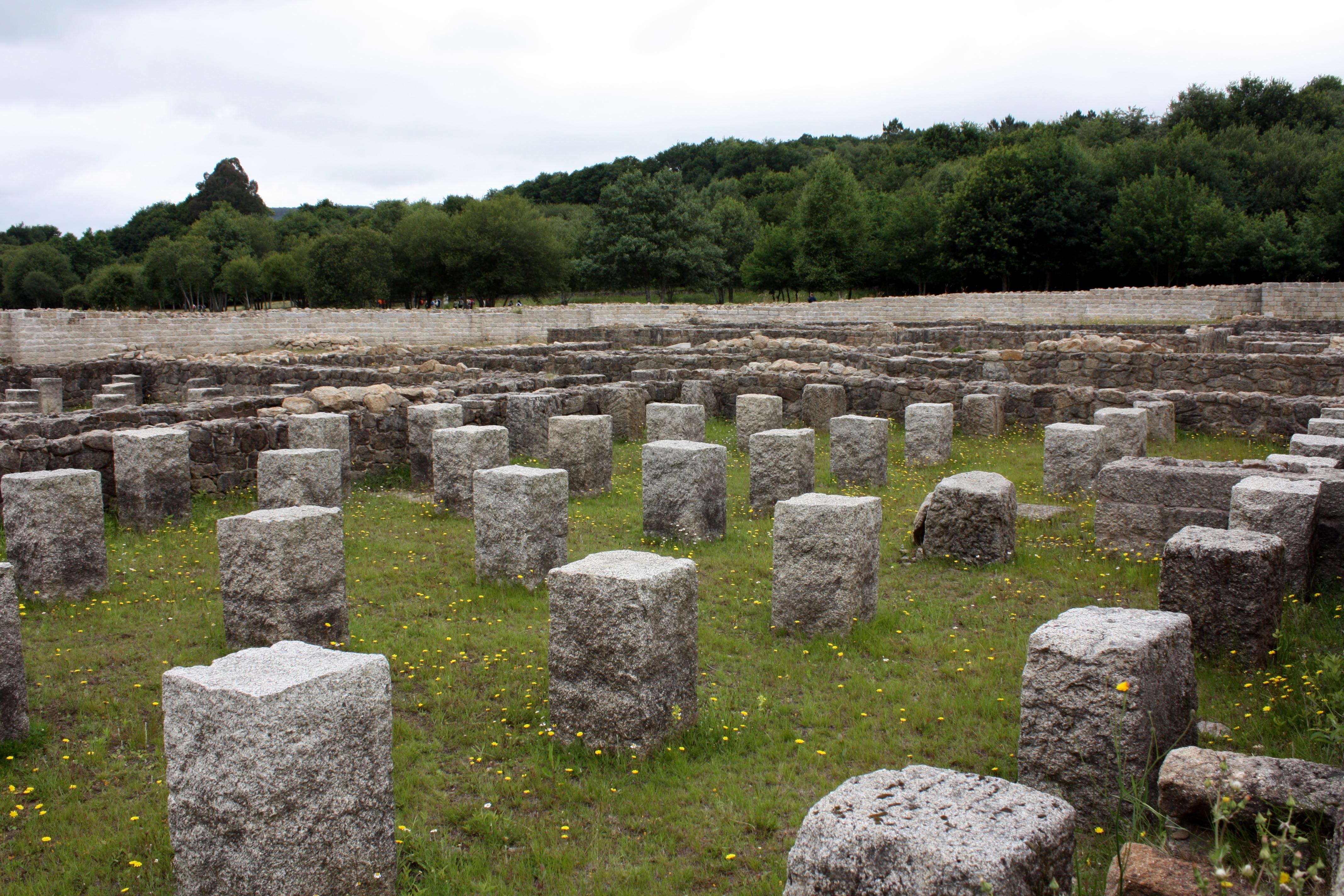 File:Roman Camp Aquis Querquennis, Baños De Bande, Ourense, Galicia 32
