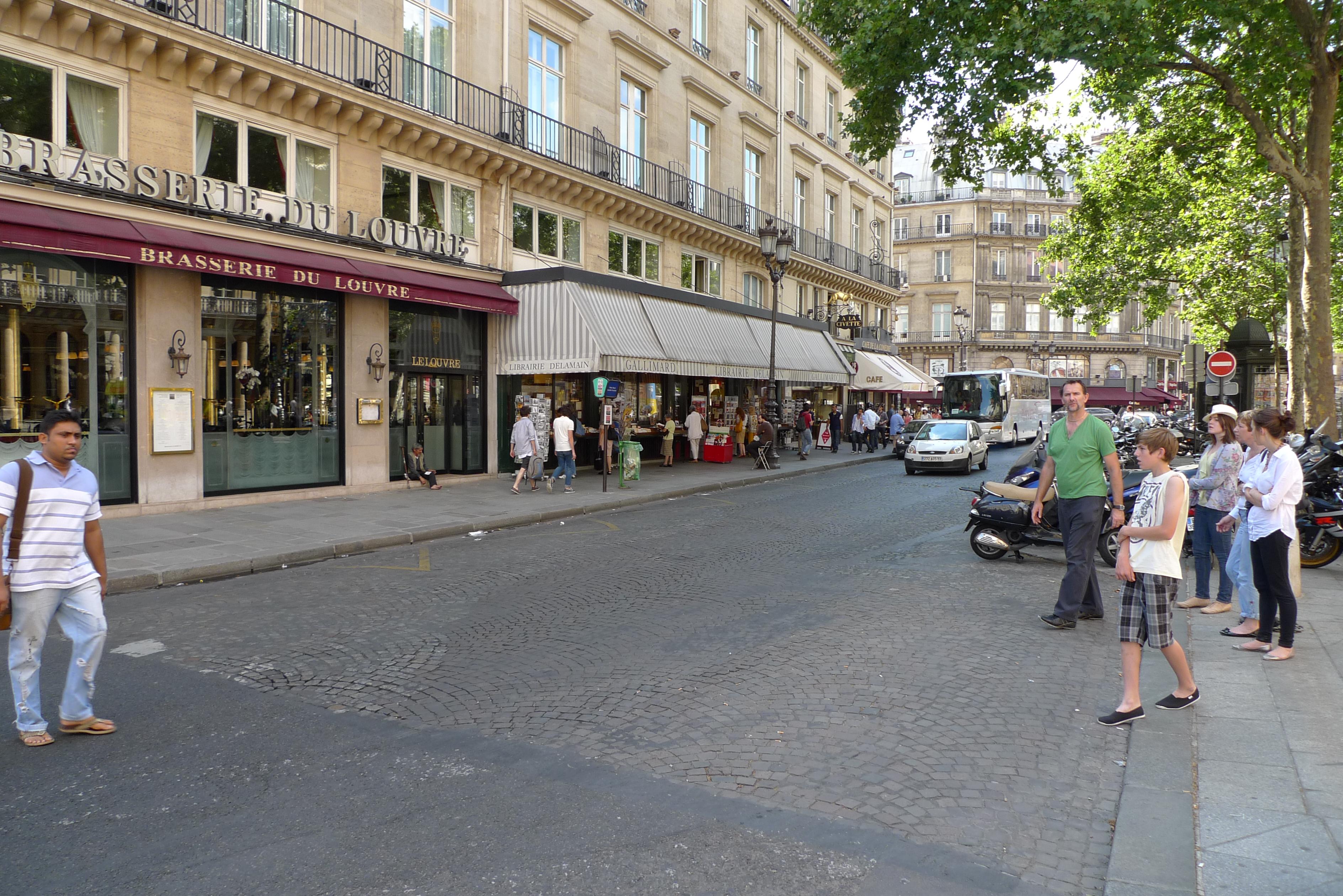 file rue saint honor paris 2010 2 jpg. Black Bedroom Furniture Sets. Home Design Ideas