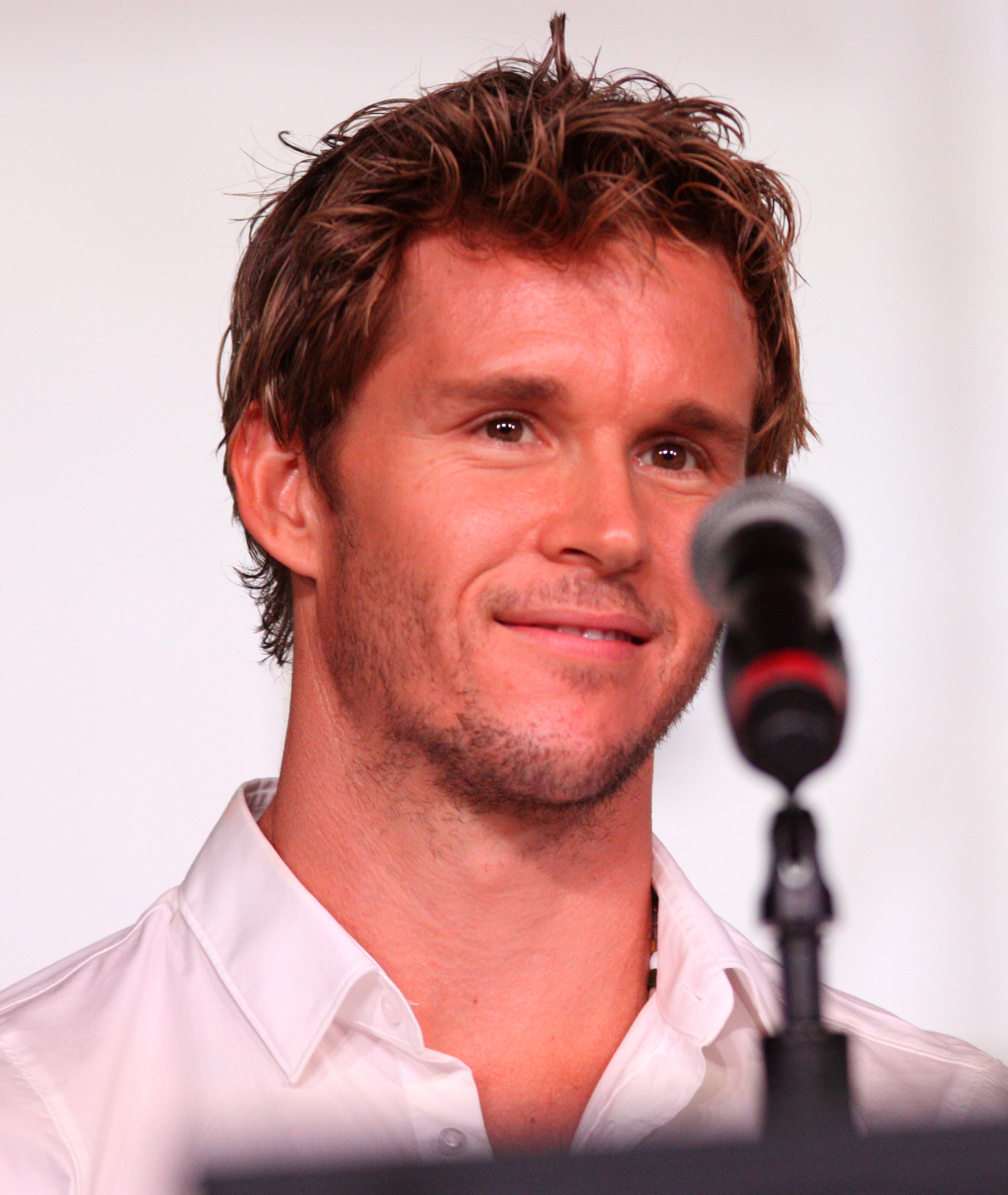 The 44-year old son of father (?) and mother(?) Ryan Kwanten in 2021 photo. Ryan Kwanten earned a  million dollar salary - leaving the net worth at 3 million in 2021