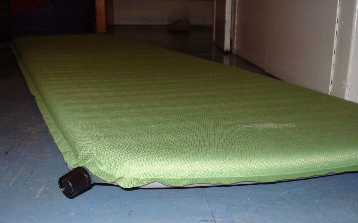 File Self inflating mat the free encyclopedia