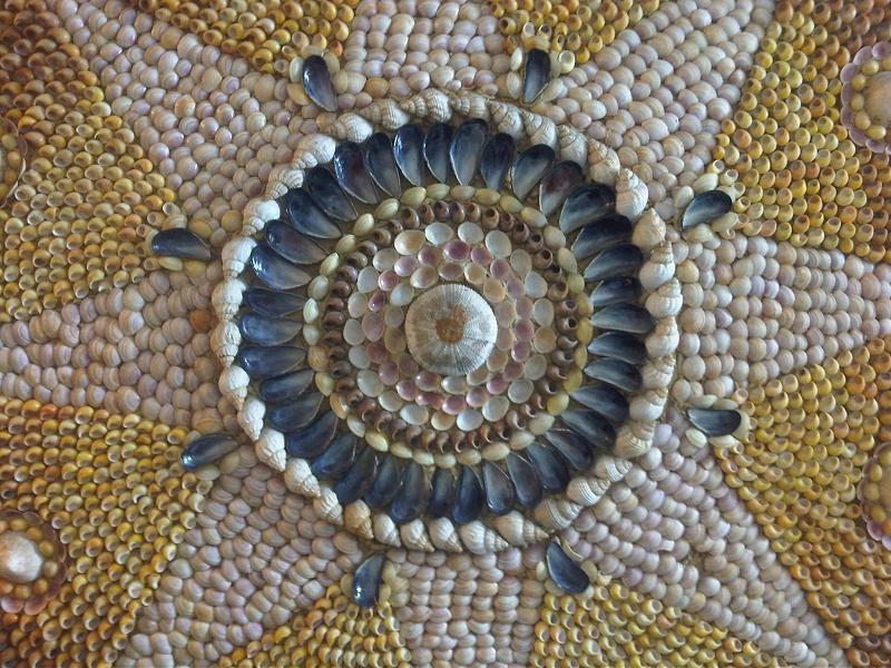 File:Shell Grotto, Margate, Kent 1 - 2011.09.17.jpg