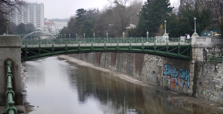 Stadtpark kl Ungarbrücke 1.jpg