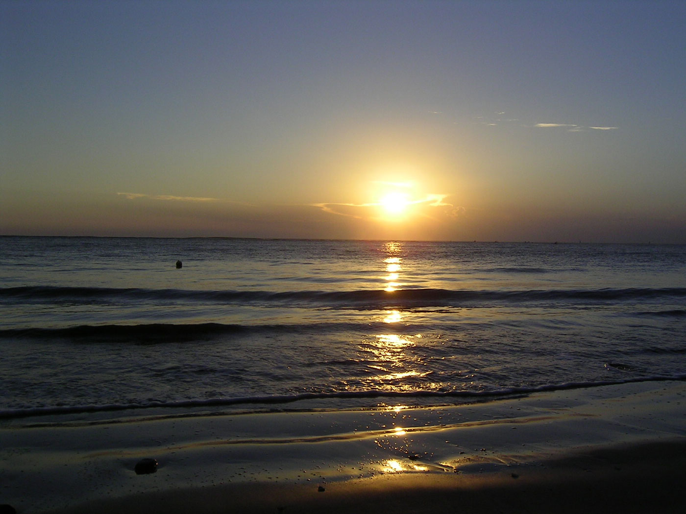 File:SunsetatSea.jpg  Wikipedia, the free encyclopedia