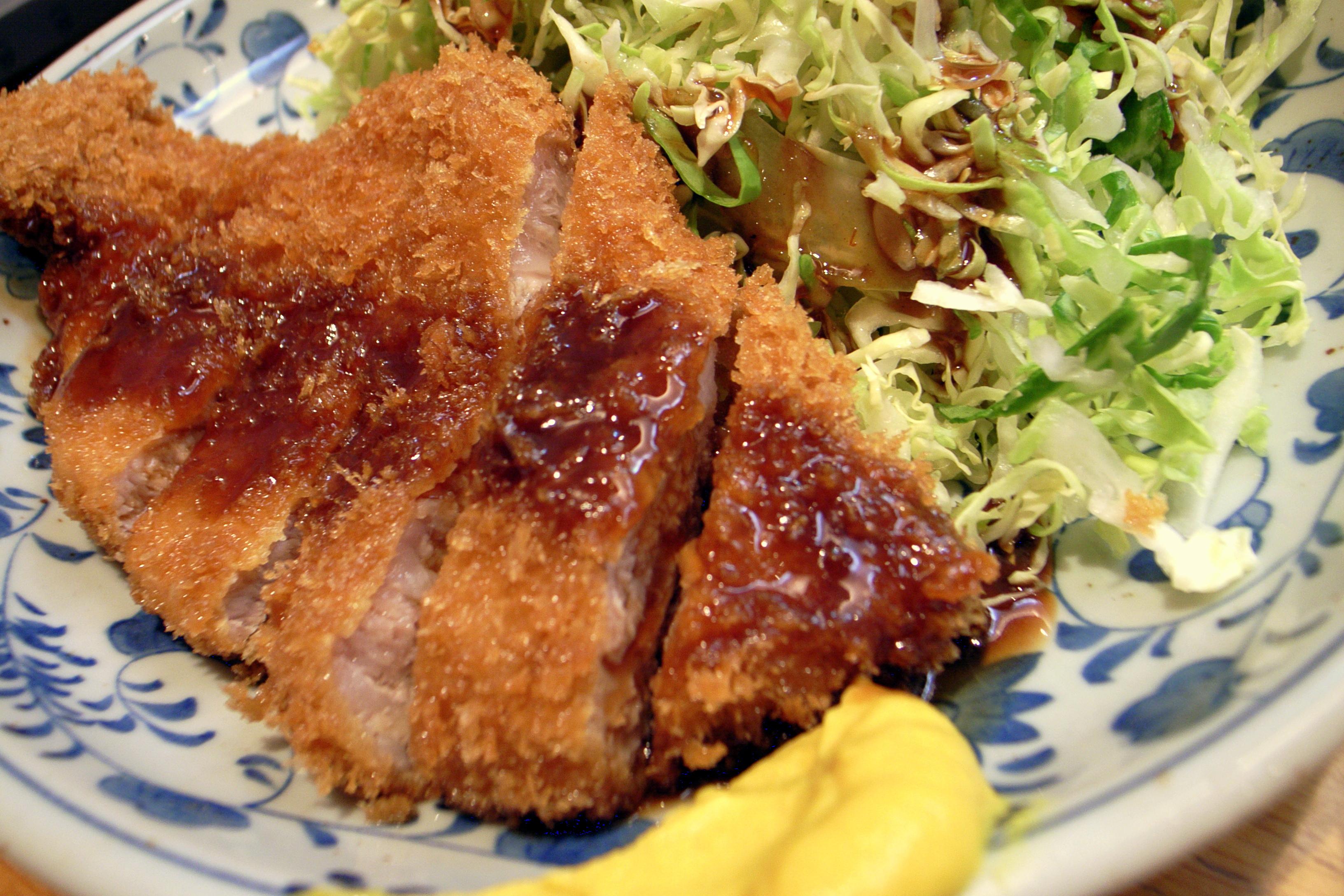 File:Tonkatsu by yoppy in Shibuya, Tokyo.jpg - Wikimedia Commons