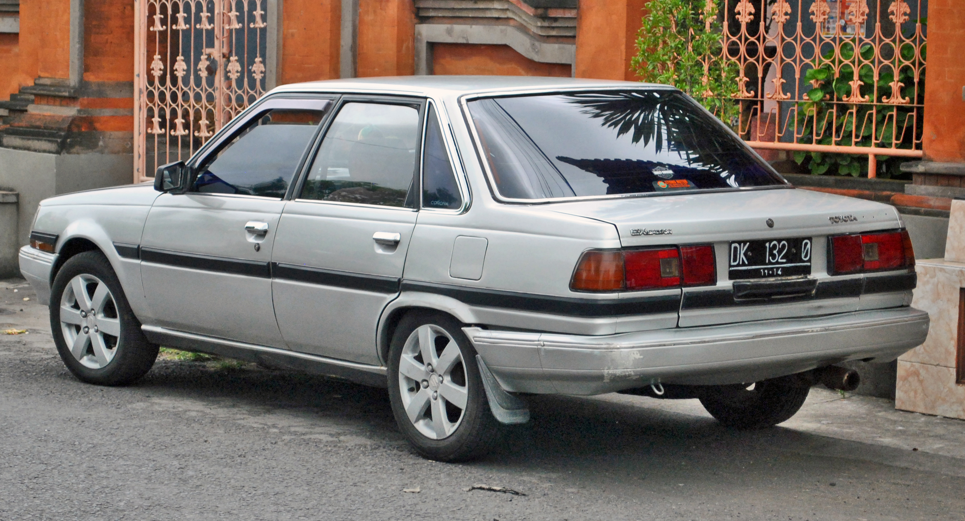 Toyota Corona Wikipedia 75 Corolla Wiring Diagram 1991 Auto Ex Sedan With Non Standard Wheels