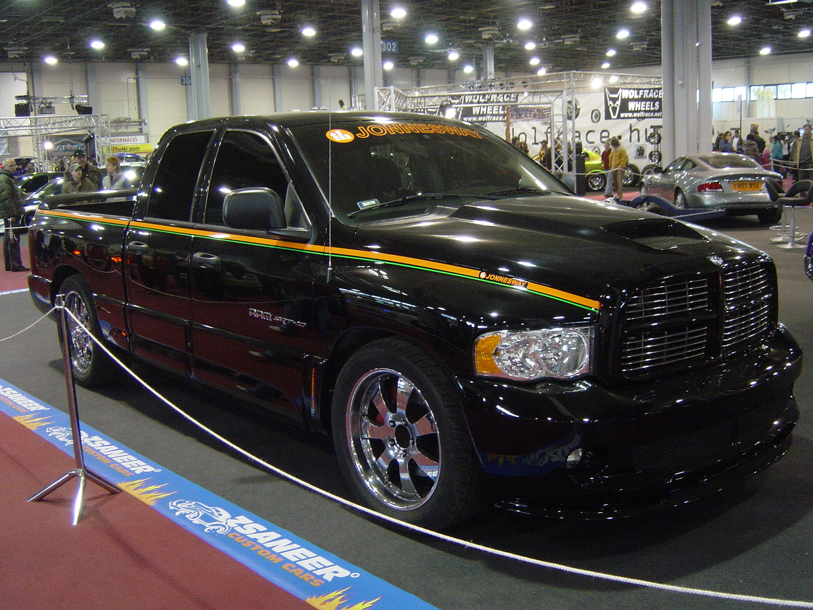 Ram Srt 10 >> File:Tuning Show 2008 - 024 - Dodge RAM SRT-10 (side-view).jpg - Wikimedia Commons