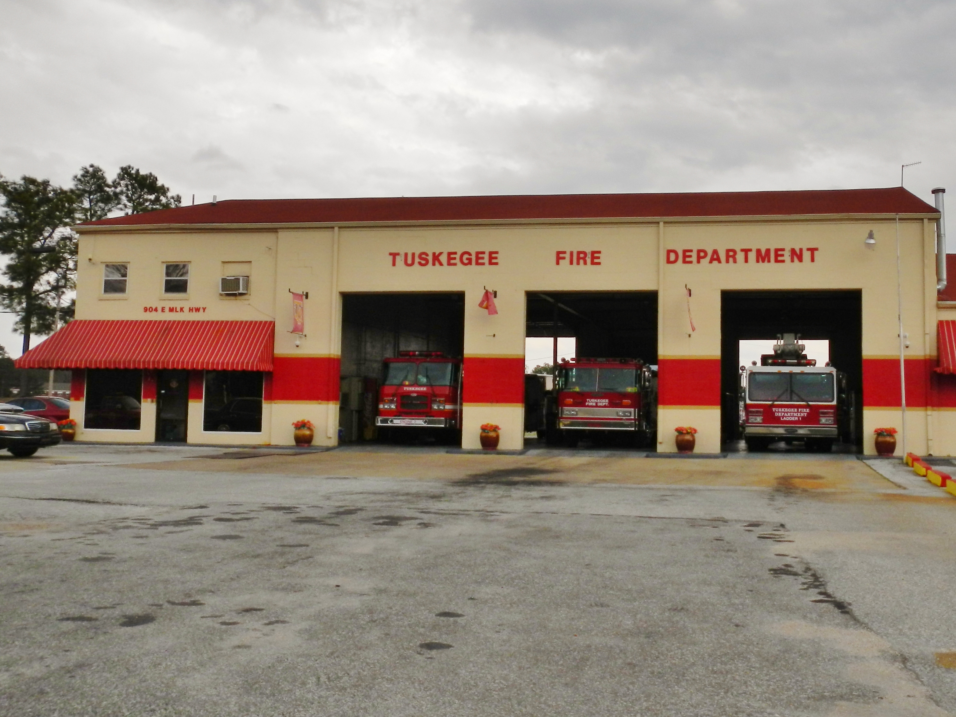 File:Tuskegee, Alabama Fire Department.JPG - Wikimedia Commons