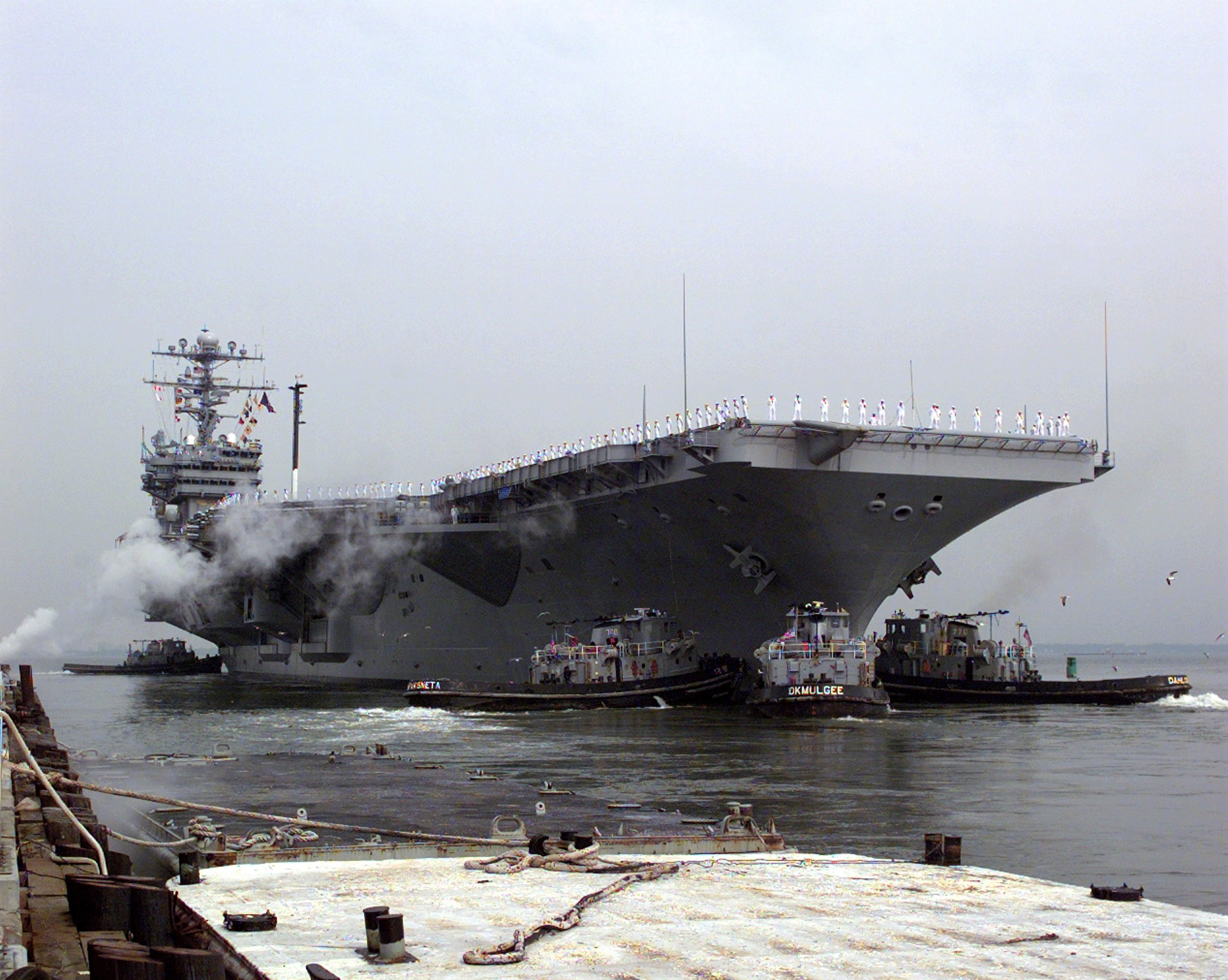 USS Dwight D. Eisenhower (CVN-69) RF.jpg