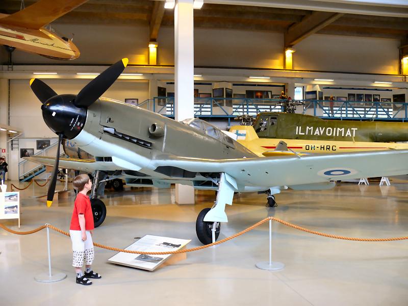 VL Pyörremyrsky Keski-Suomen ilmailumuseossa.