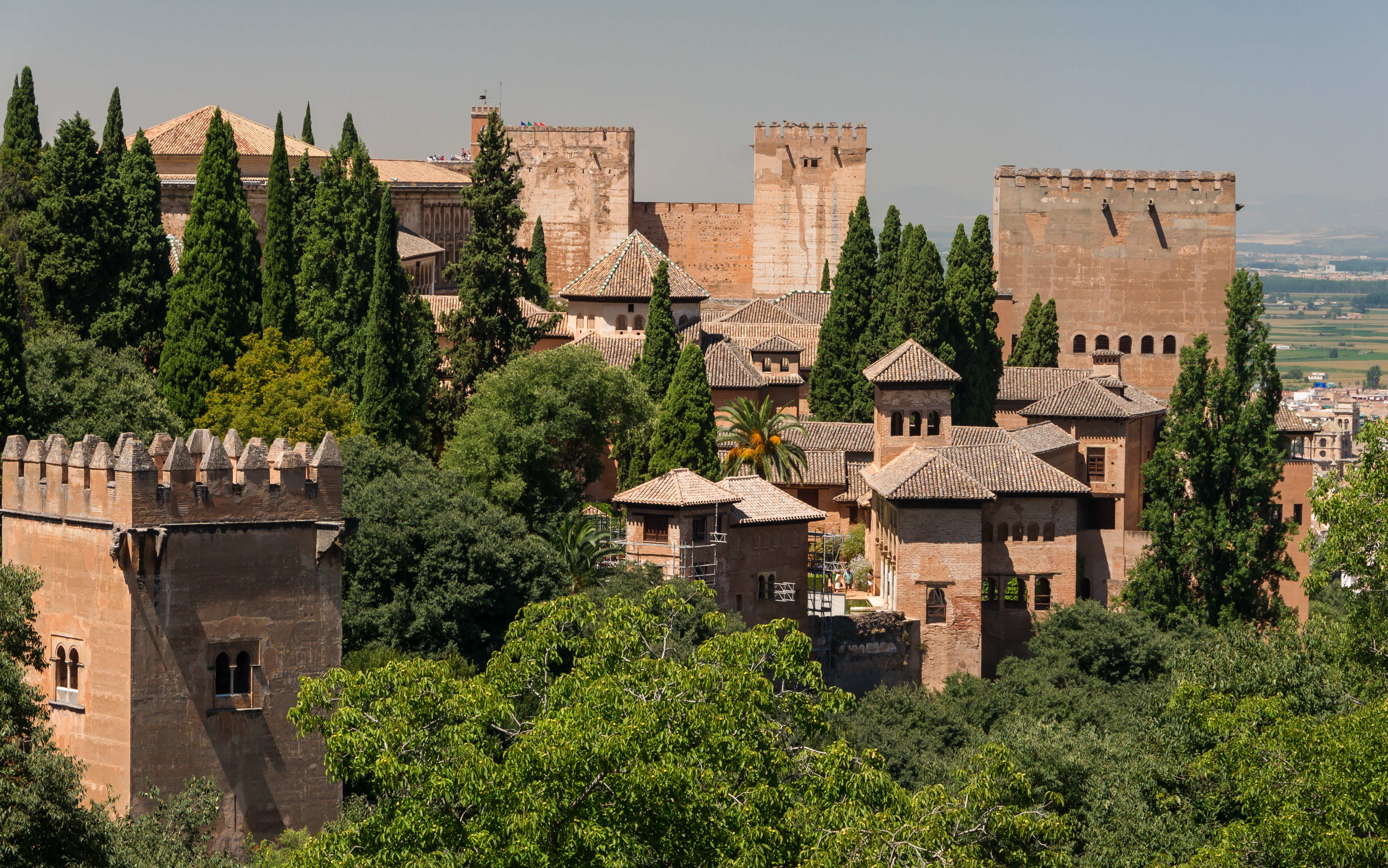 File:Various roofs and towers of Alhambra, from Generalife gardens ...