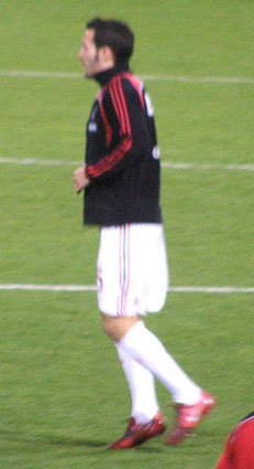 Zambrotta warming up with Milan prior to an UEFA Cup match. 2d24e056d31