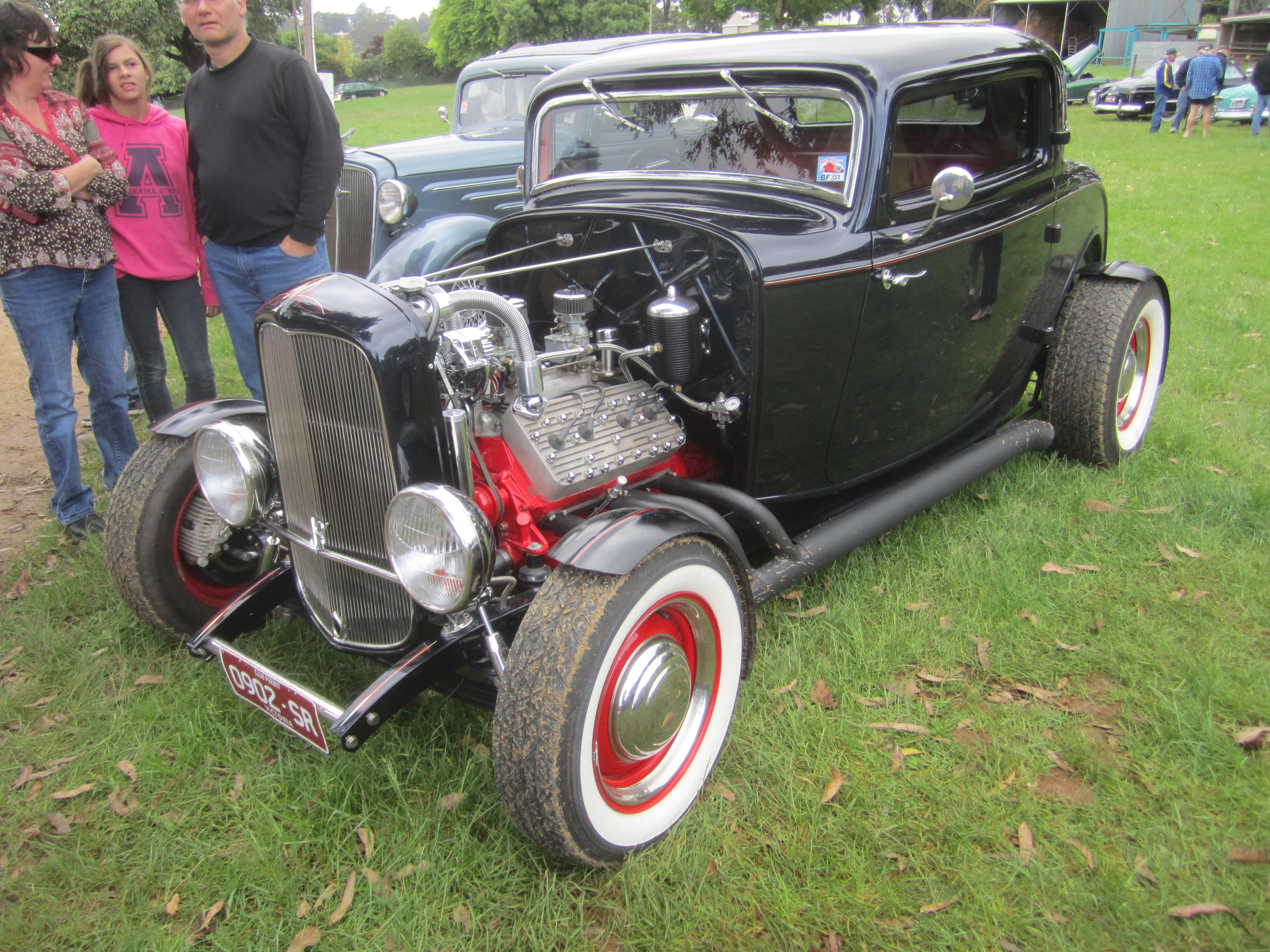 File 1932 ford 3 window coupe hot rod 2 jpg wikimedia for 1932 ford 3 window coupe hot rod