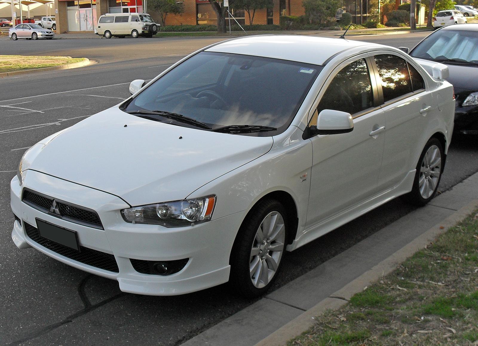 Mitsubishi Lancer Front Glass Windscreen Size