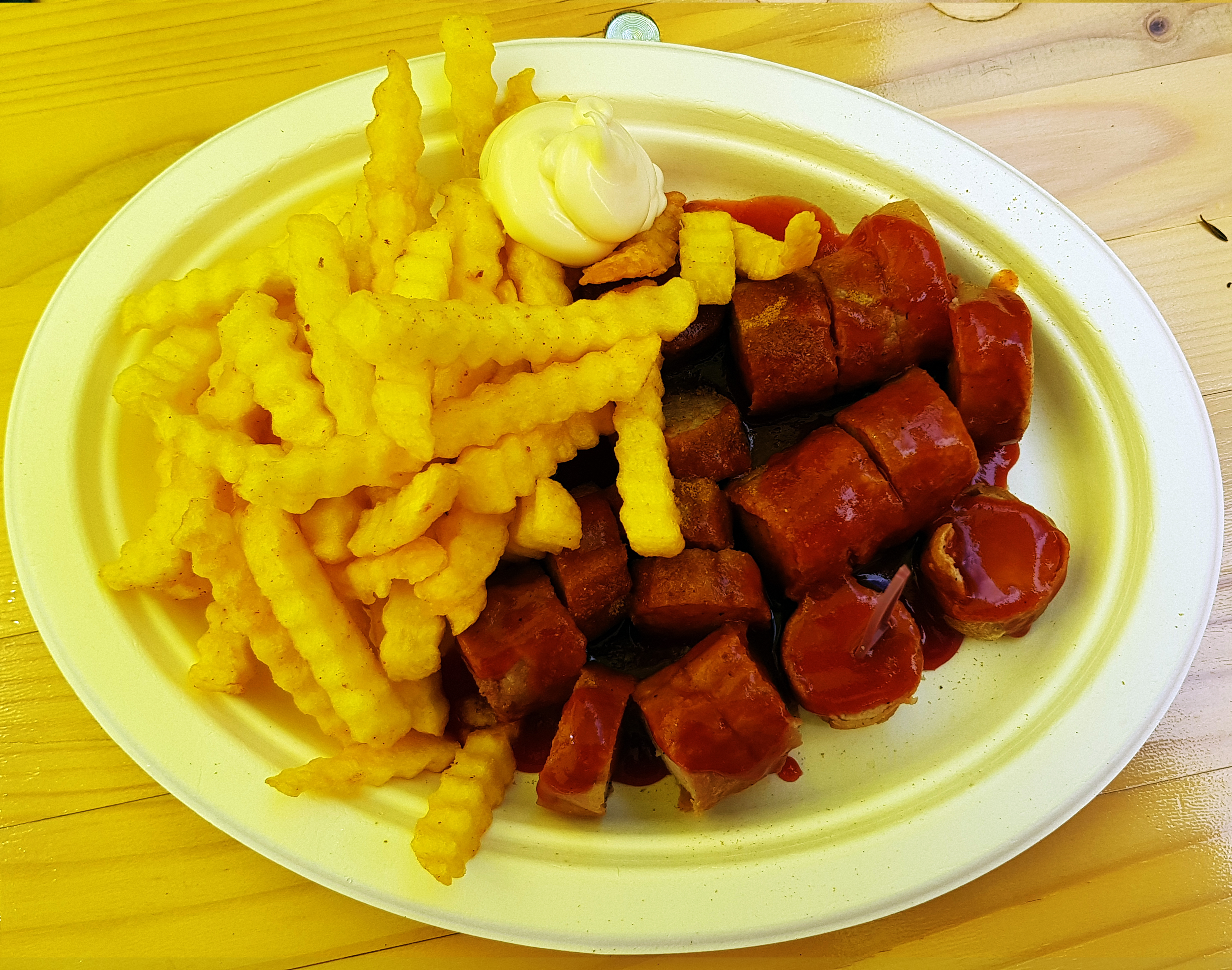 file 2017 06 07 berliner currywurst anagoria jpg wikimedia commons