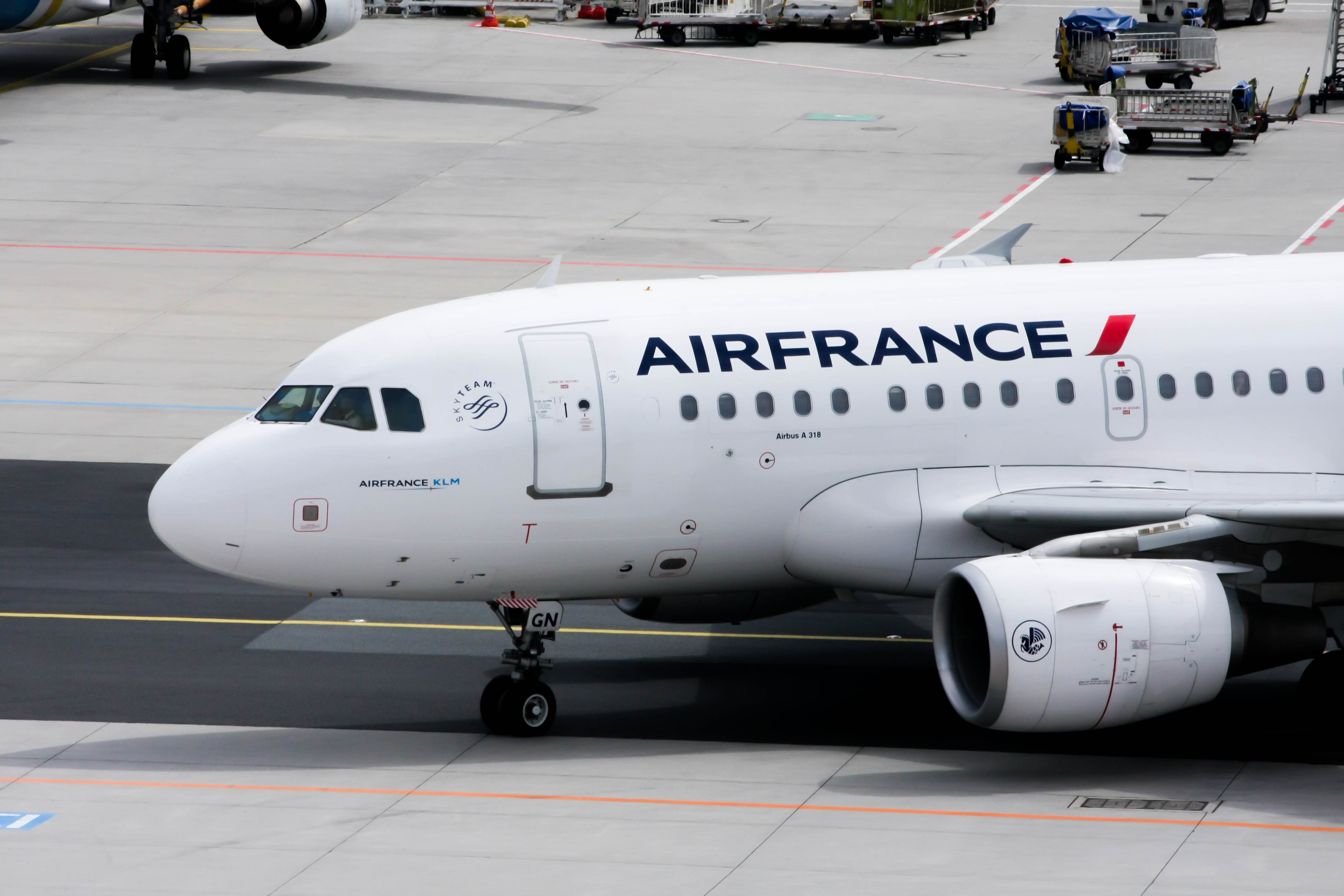 file air france airbus a318 111 f gugn jpg wikimedia commons rh commons wikimedia org Airbus A380 Airbus A350