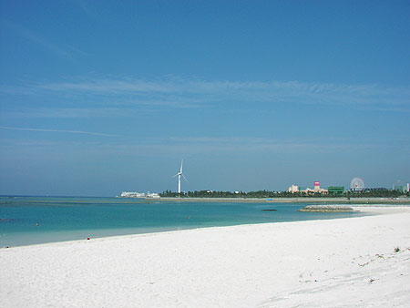 File:Araha Beach, Chatan.jpg