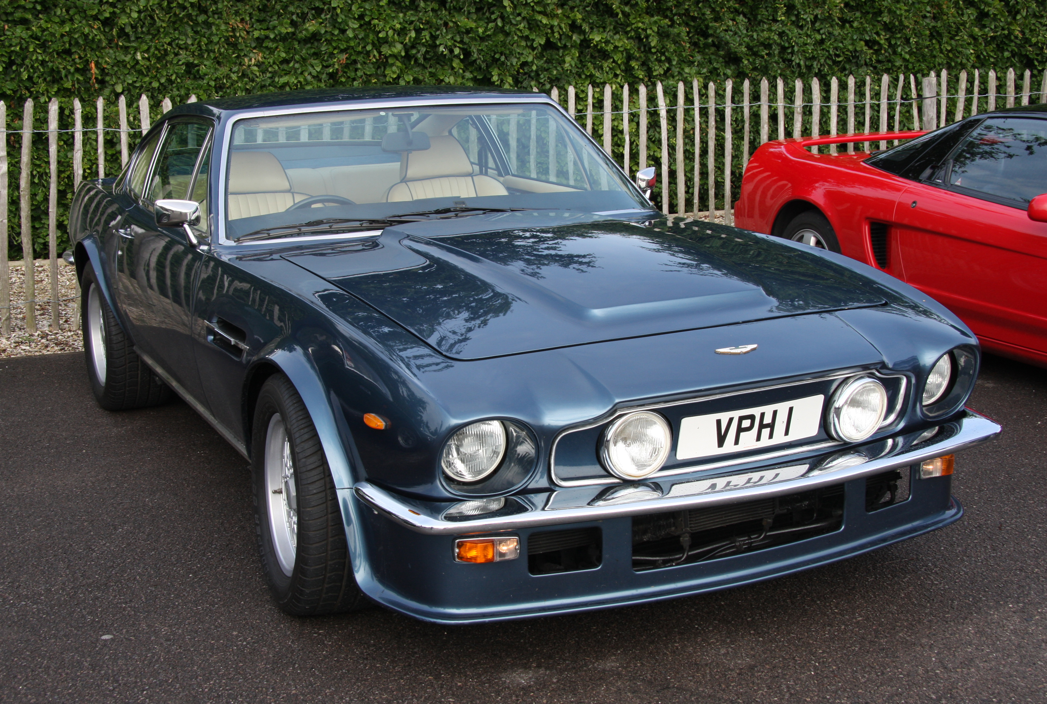 FileAston Martin V Vantage Flickr Exfordy Jpg Wikimedia - Aston martin v8